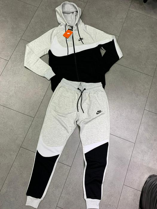 Tracksuits 737392