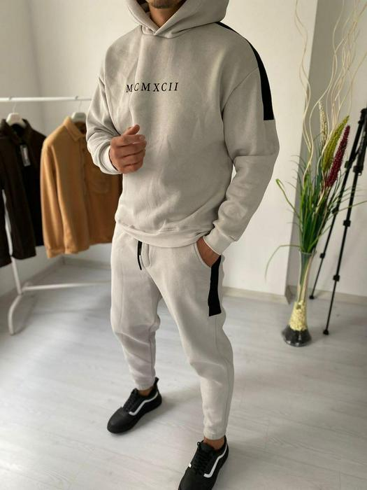 Tracksuits 1053595