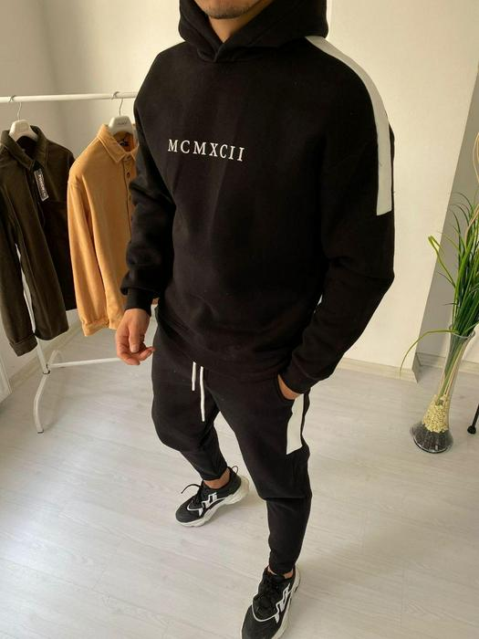 Tracksuits 1053596