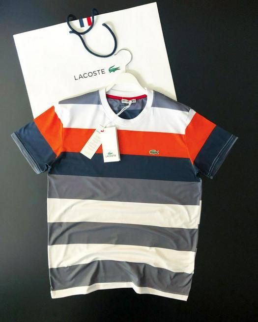 T-shirts 758550