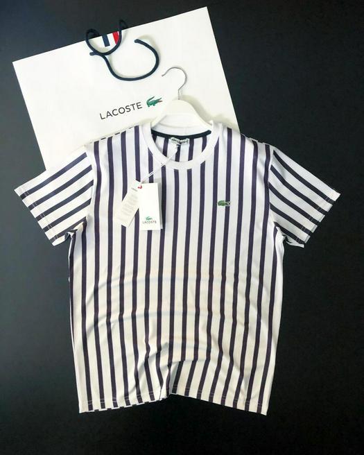 T-shirts 758548