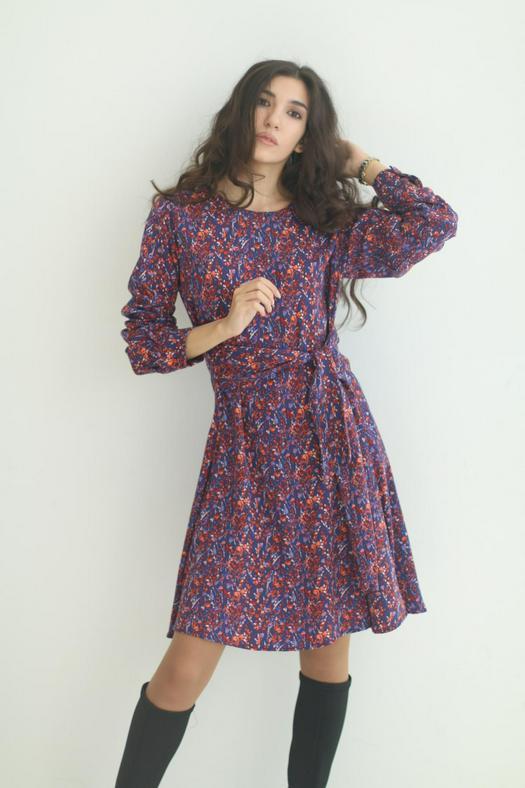 Разбитые серии платья 1054352