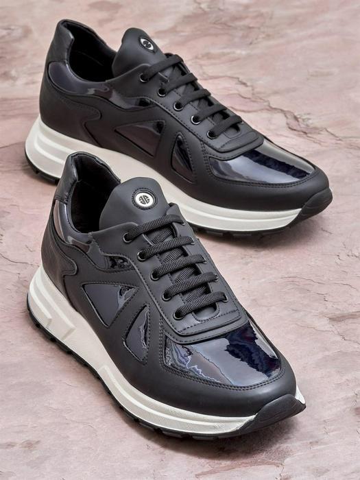 Men's footwear 672047